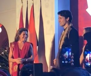 Sophie Grégoire et Justin Trudeau lors d'une réception tenue jeudi soir à la résidence du Haut-commissariat du Canada en Inde