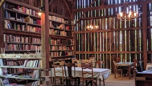 Une grange à livres « libre-service » à 1h de MTL