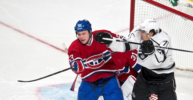 (53) Ryan White et Jordan Nolan en première période lors du match opposant les Kings de Los Angeles et le Canadien de Montréal au centre Bell.