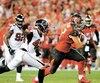 Antony Auclair courant avec le ballon lors du match du 18décembre contre les Falcons d'Atlanta. À sa première saison dans la NFL, il a capté deux passes pour des gains de 25verges, en plus d'être utilisé dans plusieurs situations de bloc à l'offensive et sur les unités spéciales.