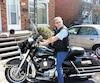 Luc Guérin venait à peine de reconduire sa petite-fille de huit ans lorsqu'une automobiliste a happé sa moto et celle de son fils en tournant dans un camping dimanche.