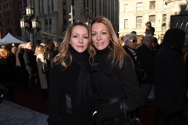 Annie et Suzie Villeneuve lors de l'entrée des invités aux funérailles de René Angelil, célébrées ce vendredi après-midi 22 janvier 2016, à la Basilique Notre-Dame, à Montréal.