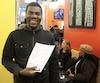 L'Haïtien Jean-Nicolas Serum, 43 ans, a franchi la frontière de manière illégale en juillet, après avoir traversé l'Amérique à partir du Brésil. Il vient d'obtenir un permis de travail et a posé sa candidature pour un emploi dans une usine d'Olymel, il y a quelques jours.