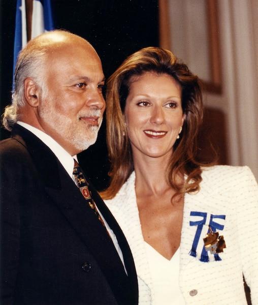 René Angelil et Céline Dion. Céline Dion officier de l'ordre national du Québec. 30 avril 1998 PHOTO SERGE LAPOINTE / LES ARCHIVES / LE JOURNAL DE QUEBEC
