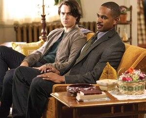 Marcus et Gahalowood (Ben Schnetzer et Damon Wayans Jr.) reçoivent des aveux qui changent complètement la tournure de l'affaire.