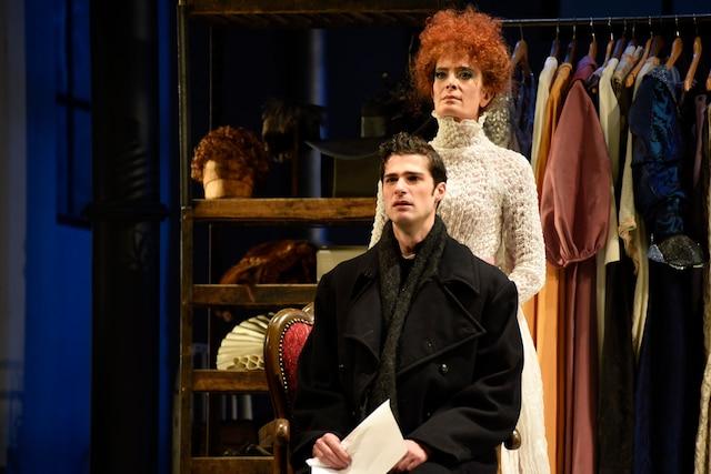 Les performances d'Anne-Marie Cadieux et de Simon Beaulé-Bulman sont exceptionnelles.