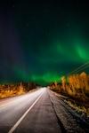 Un spectacle d'aurores boréales a eu lieu le lundi 8 octobre entre 20h30 et 21h dans le ciel de Rouyn-Noranda. Produites par l'activité du Soleil et du champ magnétique terrestre, les aurores boréales sont l'un des plus beaux phénomènes naturels. Selon le photographe, Hugo Lacroix, elles étaient exceptionnellement belles hier soir. « Elles bougeaient beaucoup et se déplaçaient partout », a-t-il dit. Les photos ont été prises sur la côte du lac Dufault.