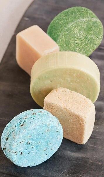 Image principale de l'article On a testé: 5 shampoings en barre