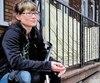 Jessica Leullier a été victime et témoin de plusieurs méfaits et de tentatives de vols sur sa propriété de la 2e Avenue. Elle fait même de la surveillance la nuit.