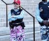 L'adaptation de 19-2, dans laquelle joue Laurence Lebœuf, dépeint la réalité des Montréalais avec des policiers en pantalons de camouflage et des cônes orange.