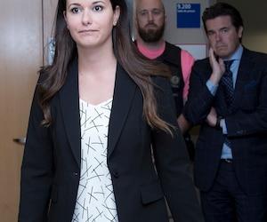 La journaliste Monic Néron a dénoncé avec véhémence jeudi les propos dégradants tenus à son égard par la police de Laval.