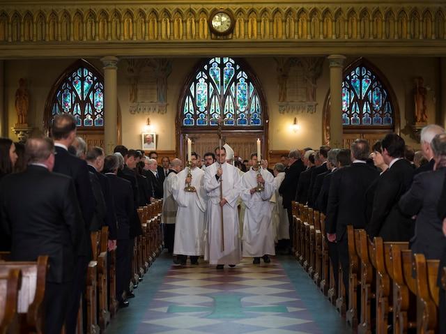 Les funérailles à la mémoire de Monsieur Jean Lapierre et de sa conjointe Madame Nicole Beaulieu sont célébrées en l'église St-Viateur d'Outremont, à Montréal, samedi 16 avril 2016.  JOEL LEMAY/AGENCE QMI/POOL
