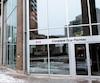Le complexe Guy-Favreau, à Montréal, est l'un des 18 immeubles appartenant au gouvernement fédéral où un problème de punaises de lit a été découvert dans les six derniers mois. La plupart des immeubles concernés sont dans la région d'Ottawa.