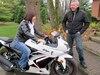 Ginette Roy (ici avec son conjoint Pierre Bourguignon) a tiré profit de son repos forcé pour prendre des cours de motocyclette pendant sa convalescence.