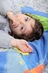 Sucer son pouce est une source de réconfort pour les enfants et donc une habitude dont il est quelquefois difficile de se débarrasser.