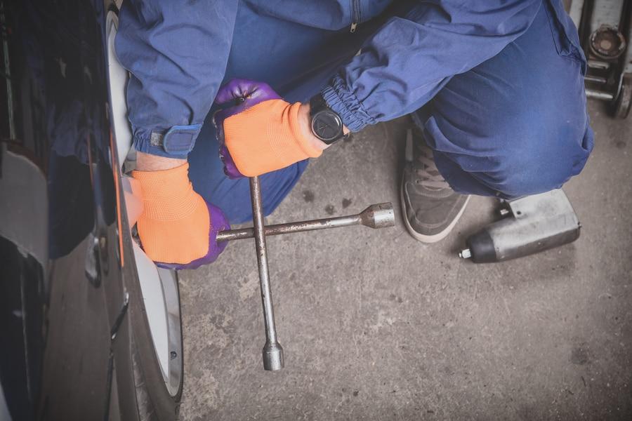 Changement de pneus le faire soi m me ou aller chez le for Garage changement de pneu