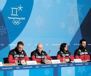 Tricia Smith, Chris Overholt et Éric Myles lors de la conférence de presse du Comité olympique canadien, hier.