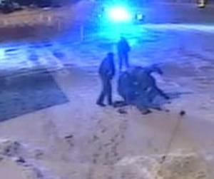 Les images de l'arrestation musclée d'Alexis Vadeboncoeur ont fait le tour du monde.
