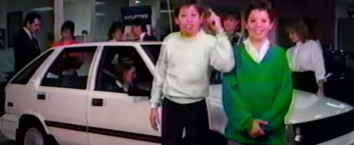 10 vieilles publicités d'autos bien de chez nous