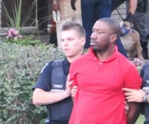 Karim Jean-Gilles, lors de son arrestation en 2015, après que ses pitbulls eurent attaqué une enfant de huit ans, à Brossard.