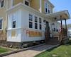La maison d'un des couples mixtes formés d'un Mohawk et d'un non-autochtone a été vandalisée le 1er mai 2015.