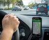 Des centaines d'automobilistes utilisant des applications de navigation comme Google Maps sont incités à tourner à gauche sur l'avenue Garon même pendant la période interdite.