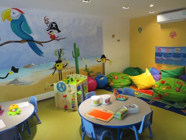 Le Petit Club où les 2-3 ans peuvent s'amuser sous la supervision de professionnels.