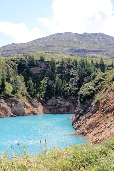 Lac émeraude en plein col du Mont Cenis. De l'autre côté du col... l'Italie!