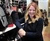 La copropriétaire de la chaîne de boutiques Florin, Marie-Pier Fortin, ici photographiée dans sa boutique de Laurier Québec, affirme qu'il y a longtemps qu'elle aurait pris de l'expansion à l'extérieur n'eût été des difficultés de recrutement de travailleurs.