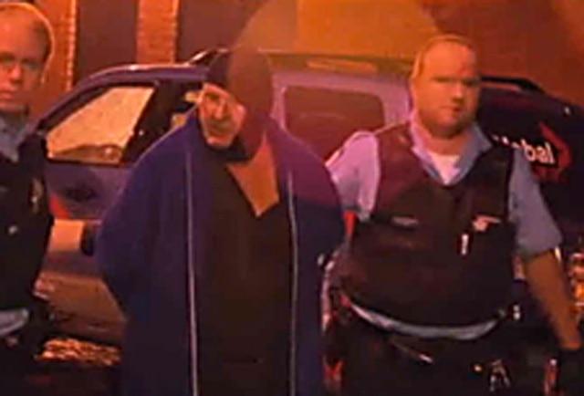 Suspect arrêté lors du discours de Pauline Marois. Photo Radio-Canada.ca