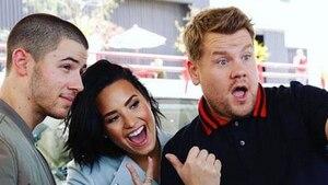 Image principale de l'article Vidéo: Demi Lovato et Nick Jonas montent à bord du Carpool Karaoke