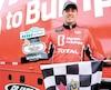 Le pilote québécois Kevin Lacroix a remporté samedi à Loudon sa deuxième victoire de la saison dans la série NASCAR Pinty's.