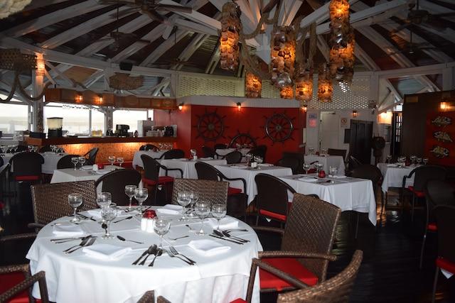 Le restaurant à la carte La Bruja offre une expérience unique.