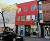 Les emplacements précis desixsuccursalesdelaSociété québécoise du cannabis (SQDC)et les propriétaires de ces immeubles sont désormais connus. En mortaise, on aperçoit le local de la Plaza Saint-Hubert, à Montréal, qui accueillera un magasin.