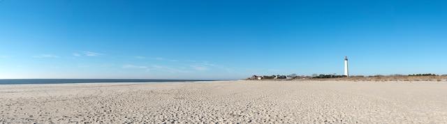 La plage de Cape May et son phare.