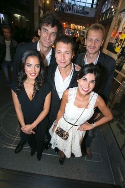 Les actrices Reem Kherici et Nadia Kounda, l'acteur Stéphane Rousseau et les frères Mayer producteurs du film