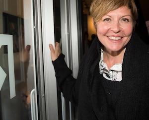 Image principale de l'article Marie-Chantal Perron ose le blond platine
