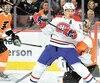 Toujours aussi fougueux, Brendan Gallagher a dérangé le gardien des Flyers Carter Hart.