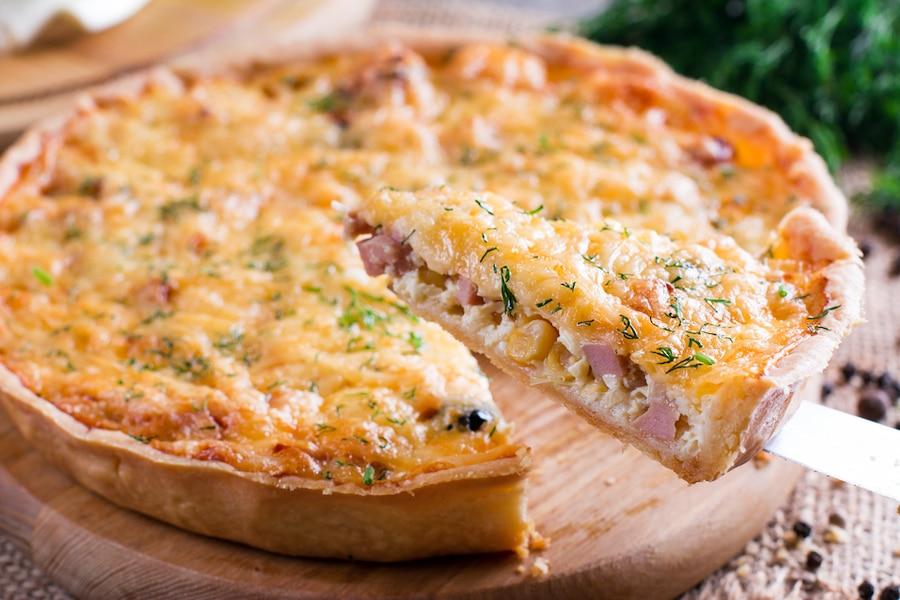 Quiche au fromage de chèvre, jambon et fines herbes