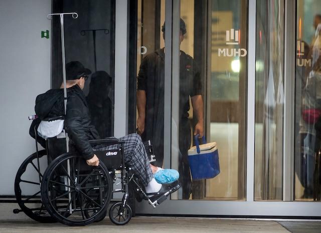 L'hôpital Saint-Luc est le premier des trois hôpitaux du CHUM à déménager vers ce nouvel hôpital.