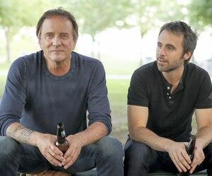 Michel Côté et Louis-José Houde ont retrouvé avec plaisir les rôles du commandant Jacques Laroche et de son fils Marc dans la suite de la comédie à succès <i>De père en flic</i>.