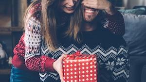 Un Cadeau De Noel Presque Parfait.50 Idées Cadeaux Pour Votre Amoureuse Selon Sa Personnalité