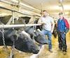 Mario Vincent, producteur de lait en Montérégie, s'inquiète de la détresse que vivent certains producteurs devant la baisse du prix du lait à la ferme.