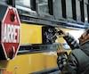 Des caméras sont installées sur 13autobus répartis dans les régions de Québec, de Montréal, de Laval, de l'Outaouais, des Laurentides, de la Côte-Nord, de la Montérégie et de l'Estrie dans le cadre d'un projet-pilote mené par une entreprise privée.