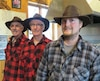 Trois générations d'acériculteurs se suivent à la Cabane à sucre Chabot, à Neuville. De gauche à droite, Raoul Chabot, Mario Chabot et Samuel Chabot.