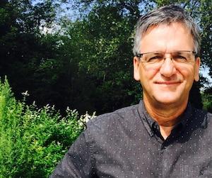 Christian Simard, de Québec nature, déplore l'absence d'une réflexion sur les impacts du transport du pétrole sur le fleuve.