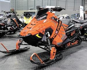 En 2020, Polaris a décidé d'offrir aux motoneigistes une nouvelle version de son modèle XC 850 qui a la faveur des amateurs. Il se présente maintenant avec une chenille de 137 pouces.