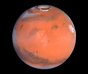 This 1999 Hubble telescope image shows Mars when Mars was 54 million miles (87 million kilometers) from Earth
