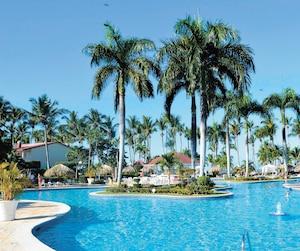 C'est près de cette piscine du tout-inclus de Bahia Principe à La Romana, en République dominicaine, qu'une dame âgée aurait été trouvée sans vie en janvier.
