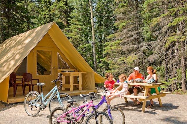 Le parc plaira aux amateurs de vélos et de camping.